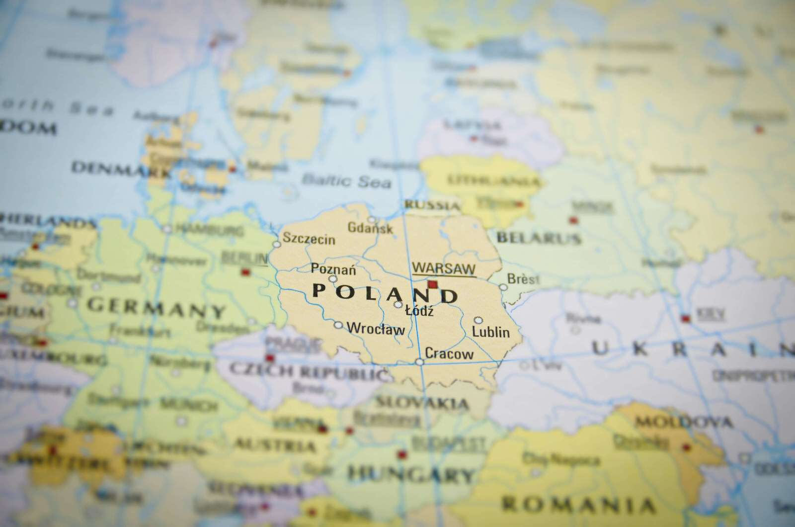 В Україні розпочато прийом документів та даних на біометричні паспорти - UniverPL