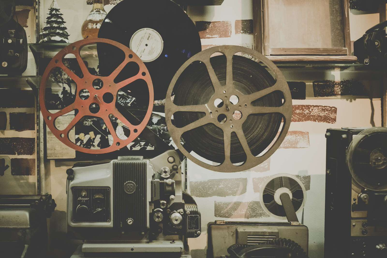 Кіно й аудіовізуальне мистецтво в Суспільній Академії Наук (м.Варшава, м.Краків) - UniverPL