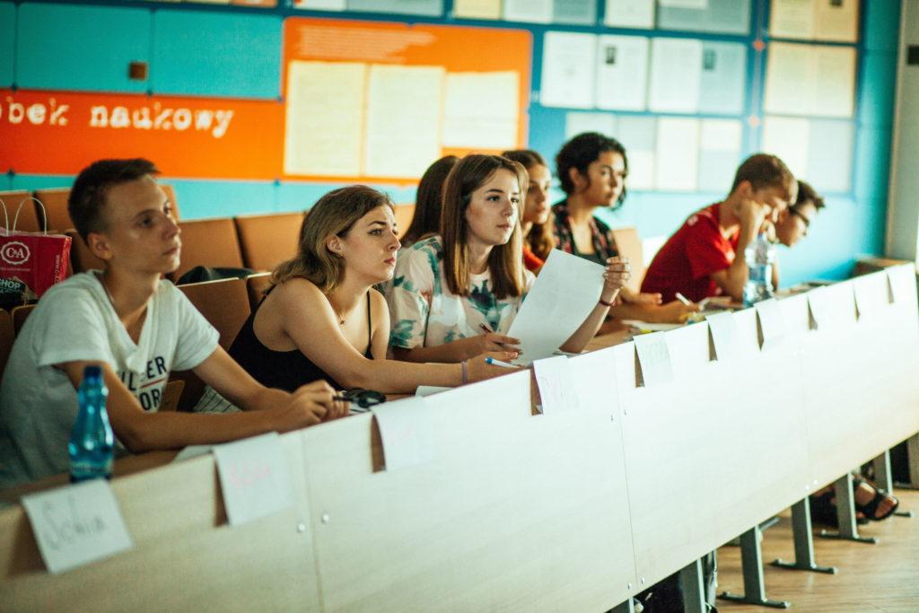 Кому та чому не варто їхати на навчання до Польщі? - UniverPL