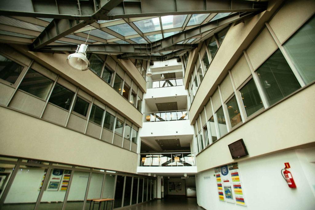 Університет Менеджменту - UniverPL