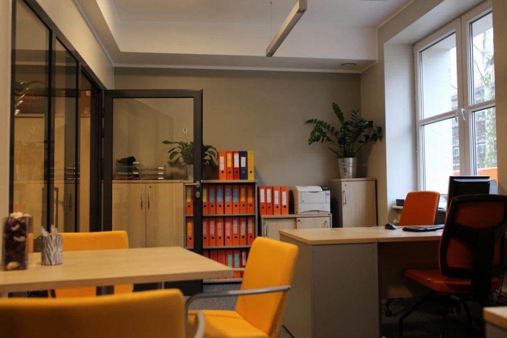 Університет Банківської Справи - UniverPL