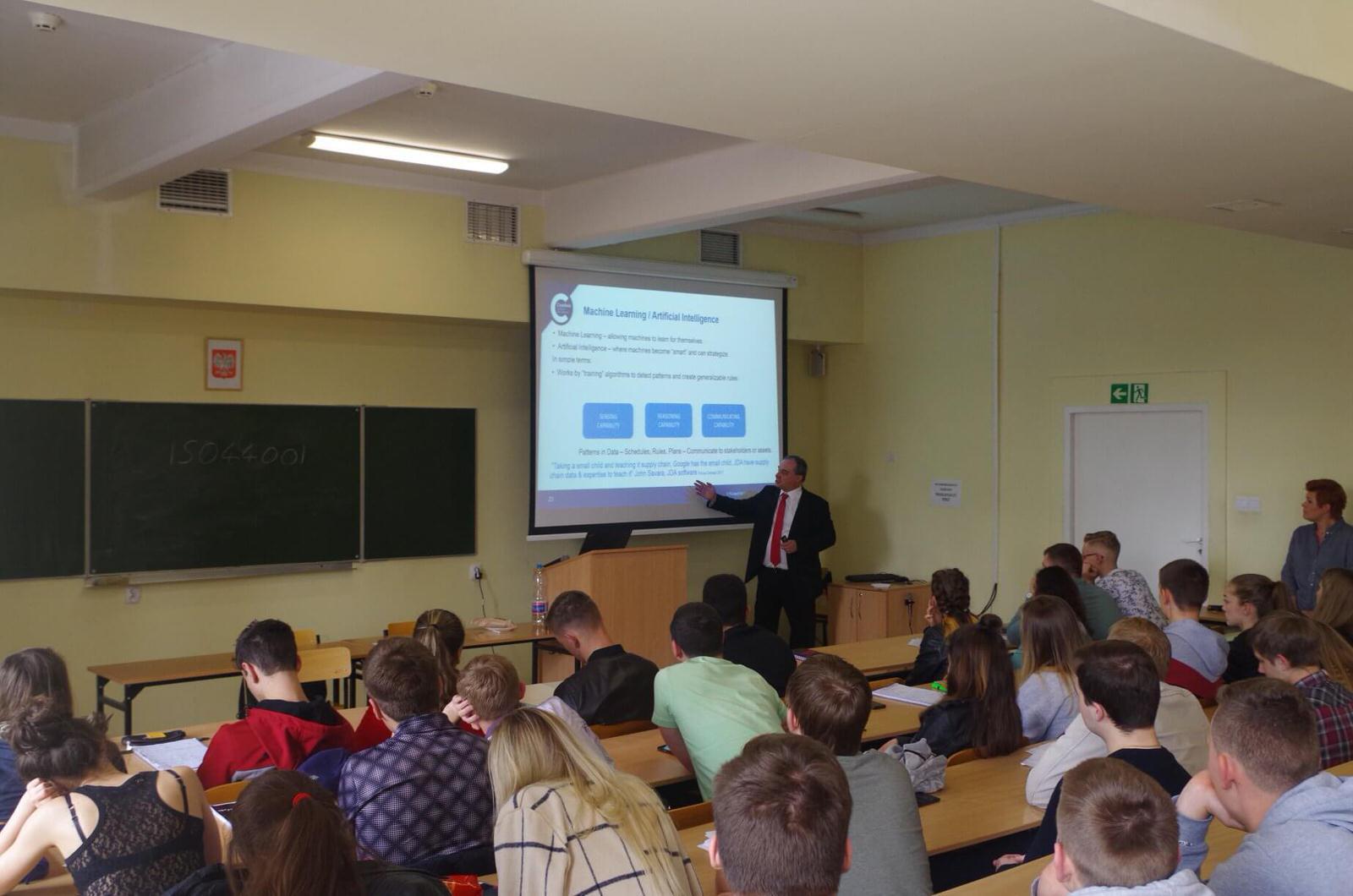 Вроцлавский университет предлагает скидки на обучение - UniverPL
