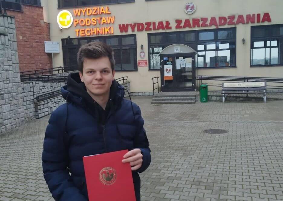 Як виграти безкоштовне навчання у Польщі: історія Євгена Холода - UniverPL