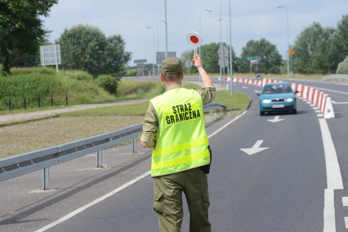 Новые правила пересечения польской границы: кого будут отправлять на 10-дневный карантин - UniverPL